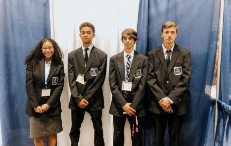 DECA Travels to Florida and Brings Home Silver Medals