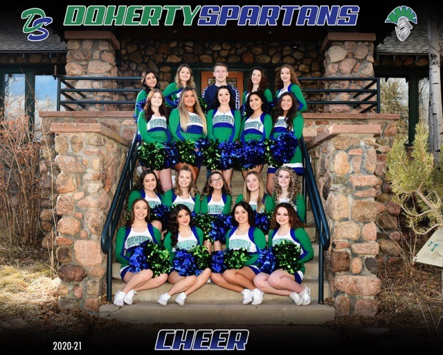 Here's the 2021 Cheer Team!